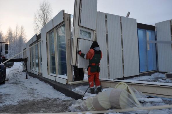 Сборка дома из панелей высокой степени готовности
