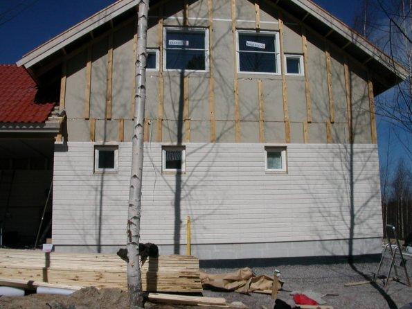 Простой деревянный фасад вентилируемым зазором